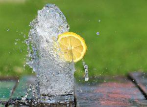 Trinken bei Hitze - darum sind eiskalte Getränke beim Sport Blödsinn